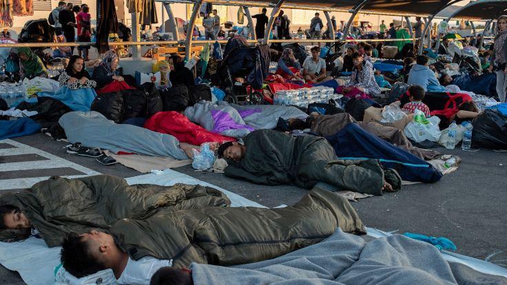 Midilli'de yerel sakinler barınak planına karşı çıkıyor