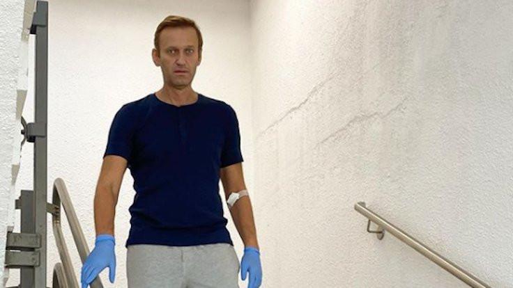 Rus muhalif siyasetçi Navalni taburcu edildi