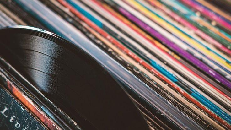 1986'dan sonra ilk kez plak satışları CD satışlarını geçti