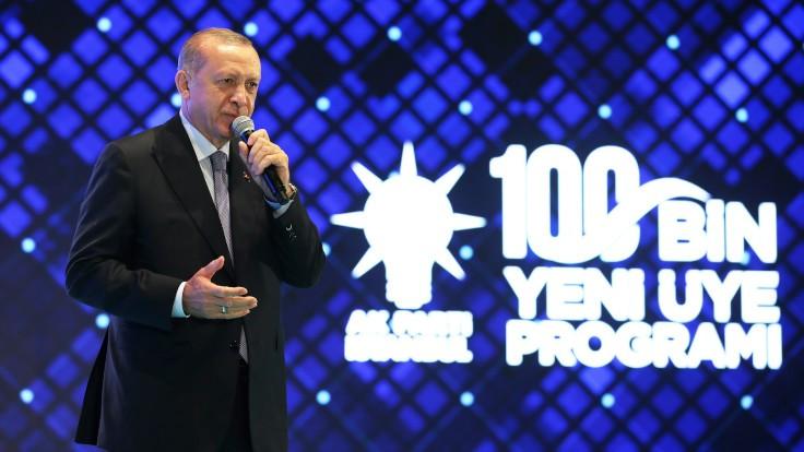 Erdoğan'dan Macron'a: Senin süren az kaldı