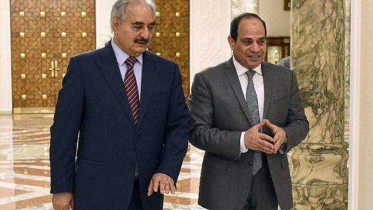 Halife Hafter Kahire'de Sisi'yle görüştü
