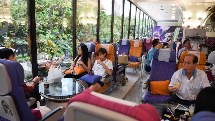 Tayland'da uçak yemeklerini özleyenlere restoran
