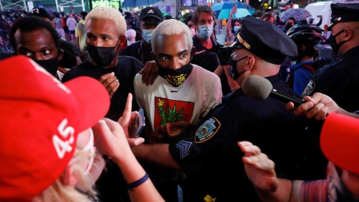 ABD'de bir kişi eylemcilerin üzerine araç sürdü