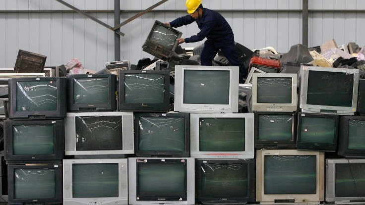 Eski televizyon bütün köyün internetini kesti