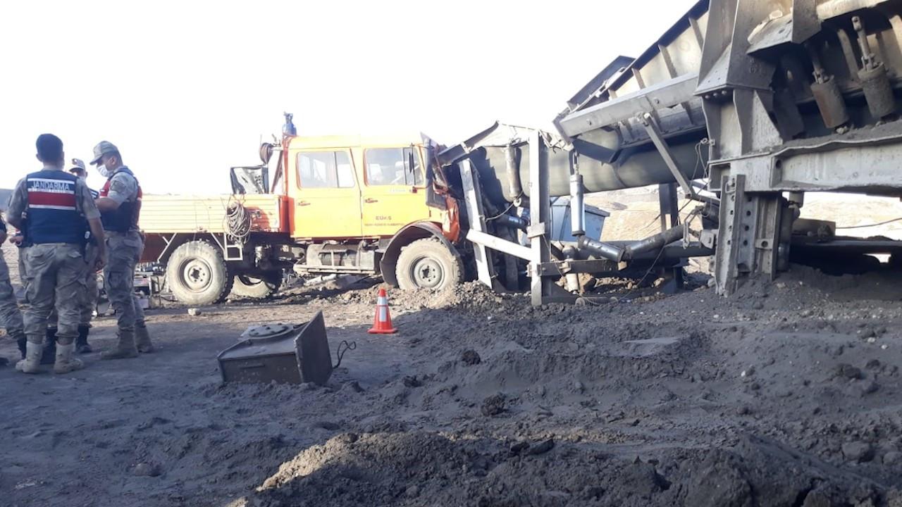 Freni boşalan kamyonet kömür bandına çarptı: 1 ölü, 7 yaralı