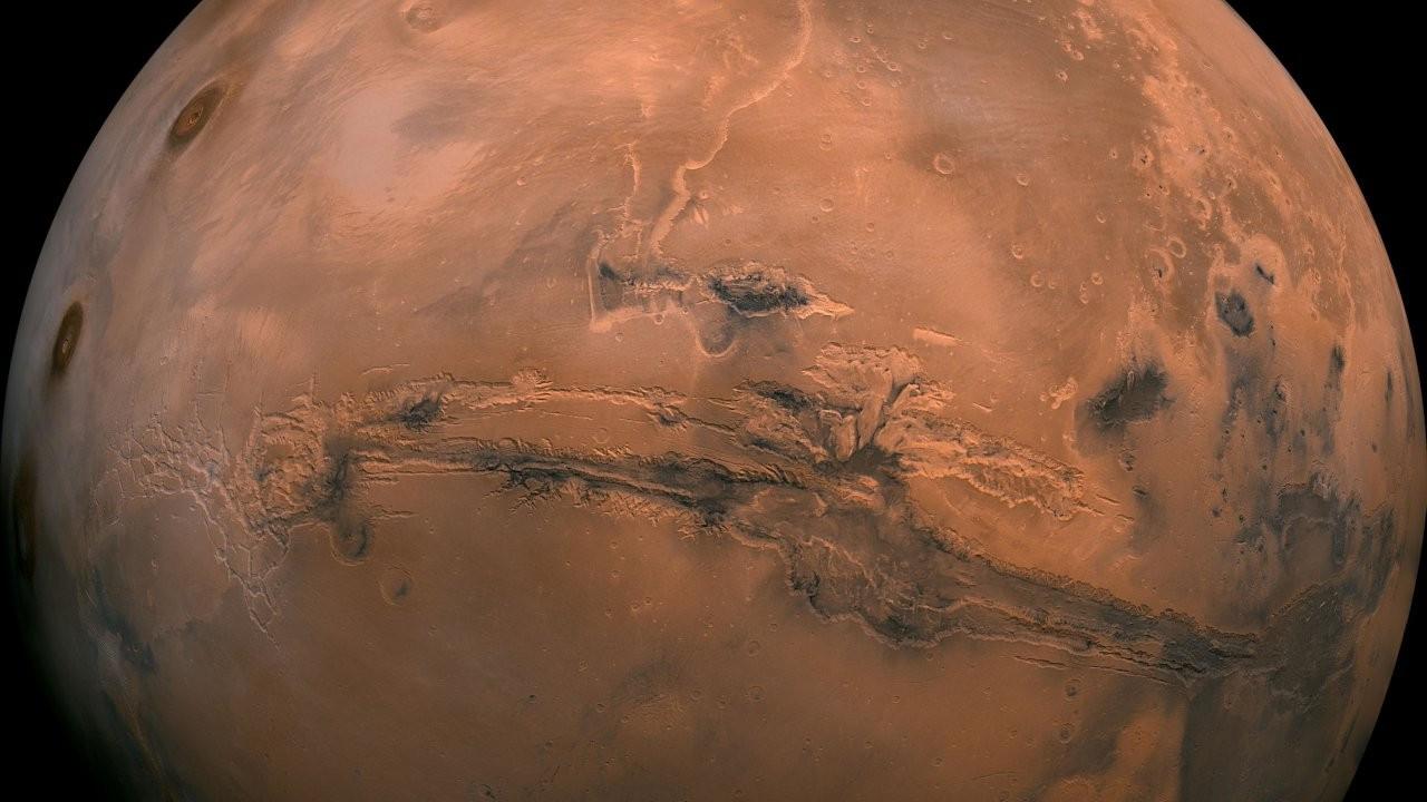Mars yüzeyinin altında tuzlu göletler keşfedildi