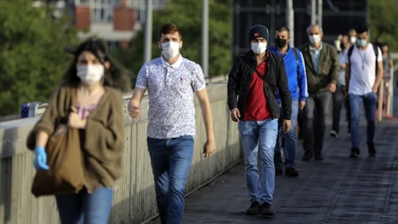 10 kişiden 4'ü günü aynı maske ile geçiriyor
