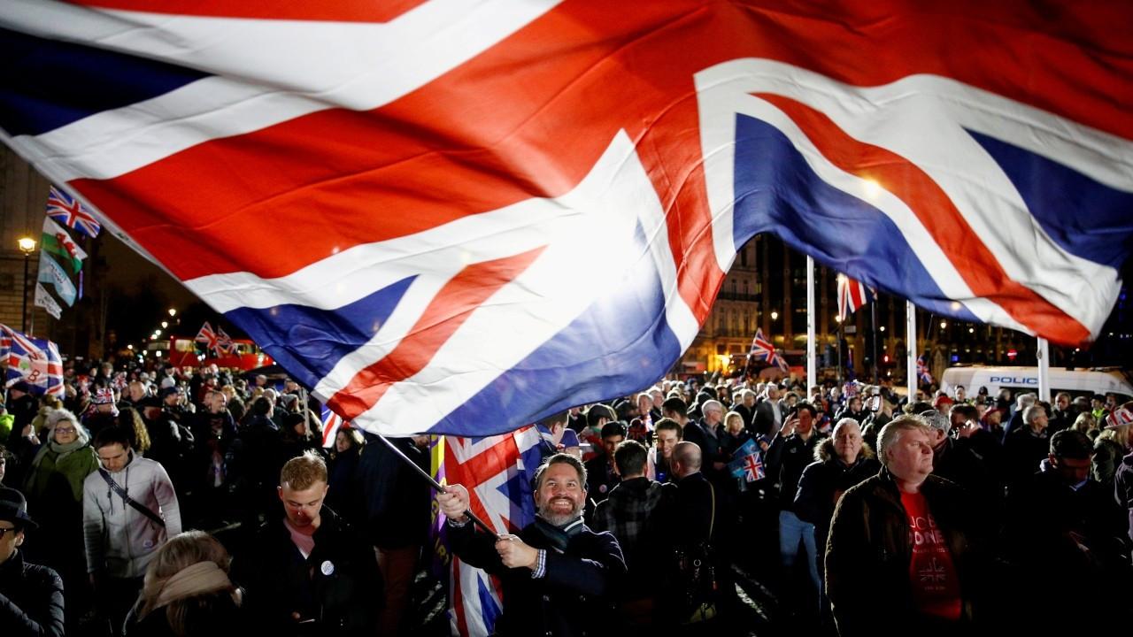İngiltere'de Avam Kamarası, AB'nin karşı çıktığı tasarıyı kabul etti