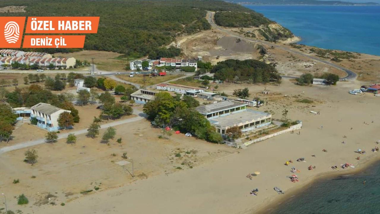 Saros Körfezi'nde denize sıfır çürüyen tesis