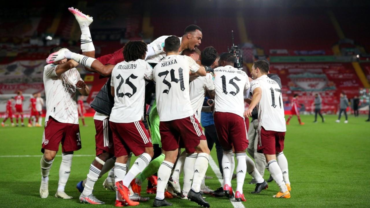 Arsenal, Liverpool'u İngiltere Lig Kupası'ndan eledi