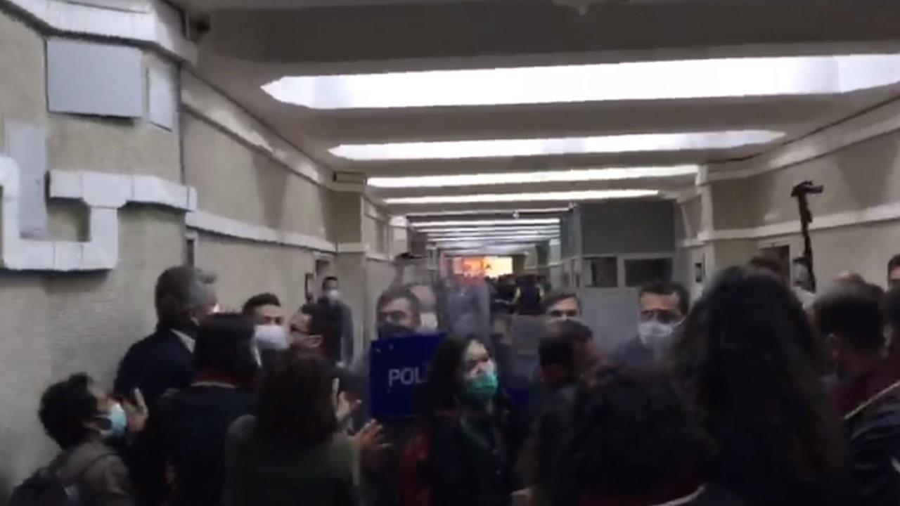 Polis HDP'li vekilleri ve avukatları darp etti