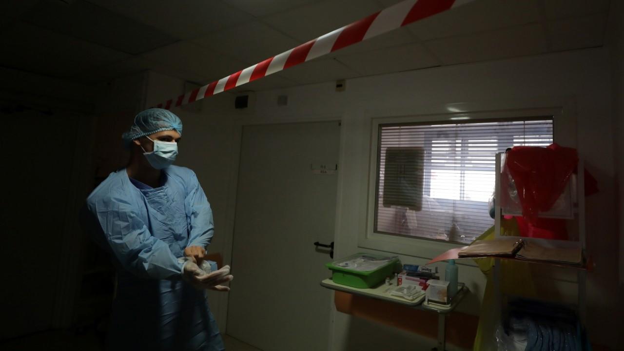 Fransa'da rekor günlük vaka sayısı: 16 bin 972 kişiye virüs bulaştı