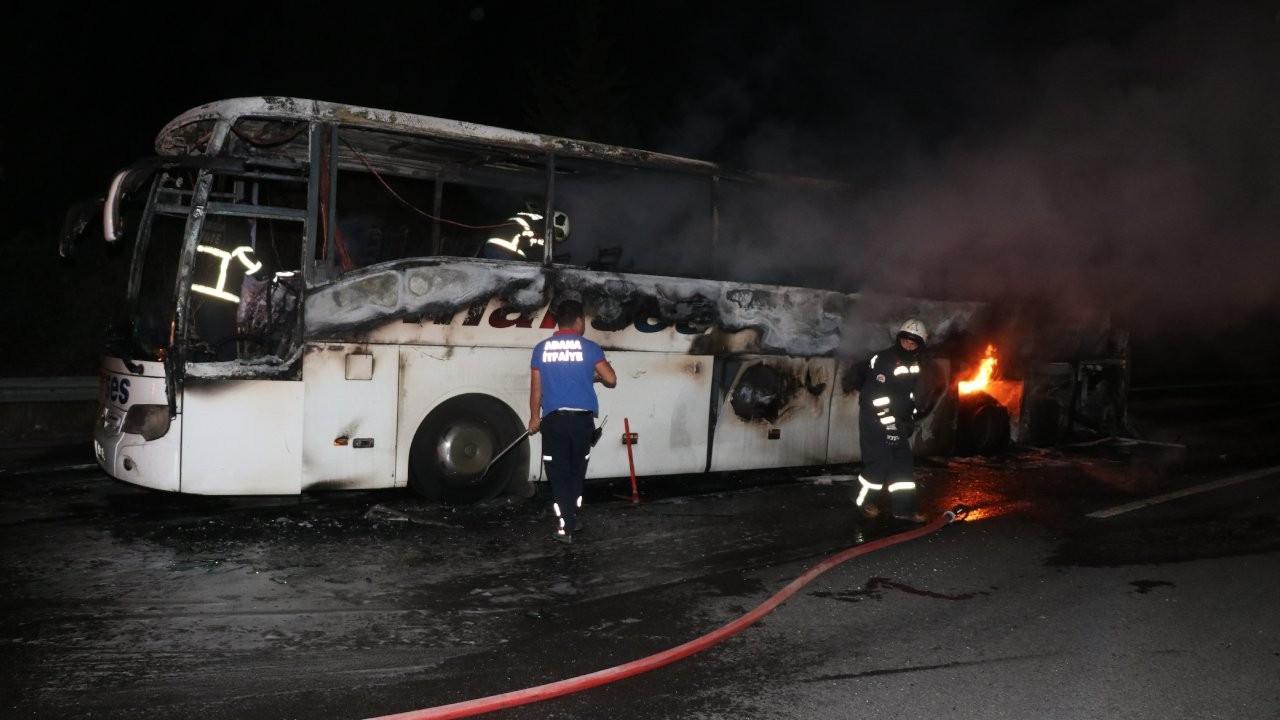 Yolcu otobüsü yandı: 42 yolcu tahliye edildi
