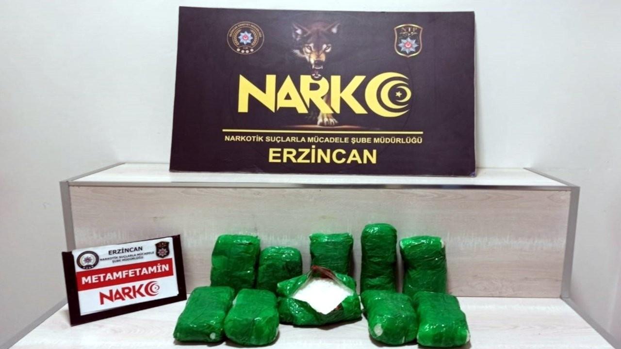 Erzincan'da araç tamponuna zulalanmış metamfetamin bulundu