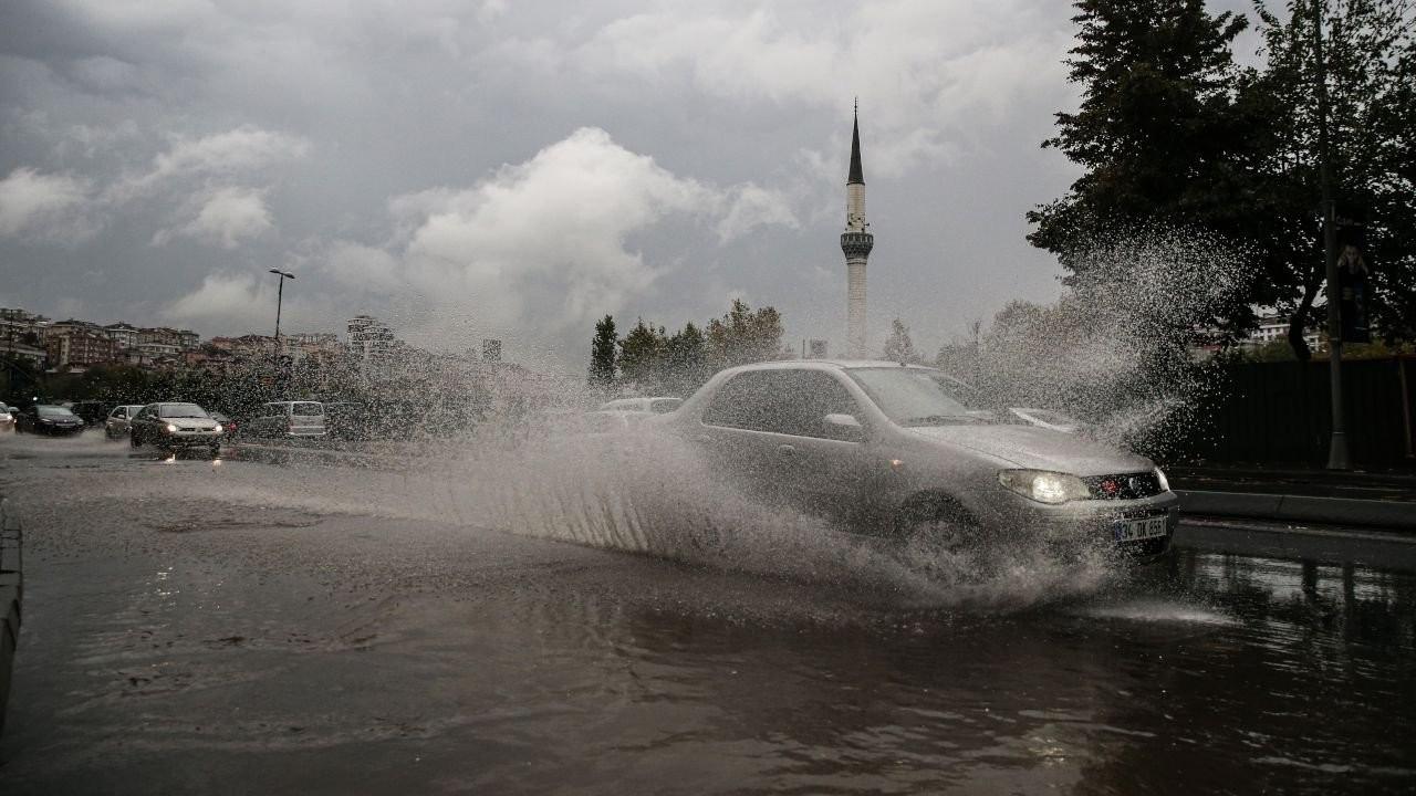 Meteoroloji'den 17 il için sağanak yağış ve fırtına uyarısı