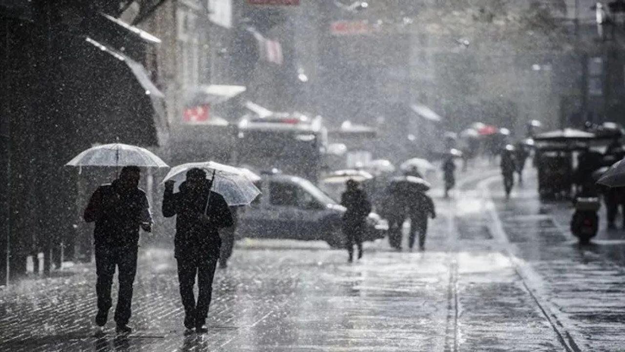 İstanbul'da yağışlı günler: Perşembe karla karışık yağmur var