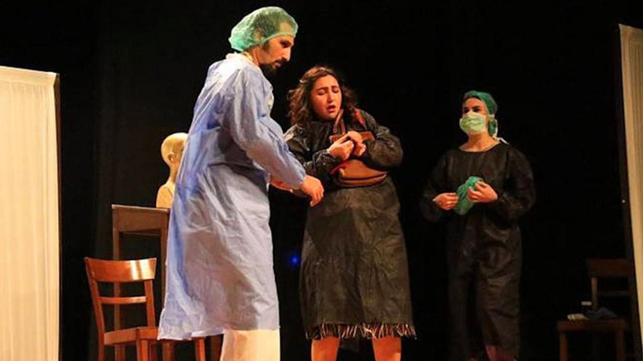 'Yasaklanacak bir tiyatro varsa o da sözde vatanseverlik tiyatrosudur'