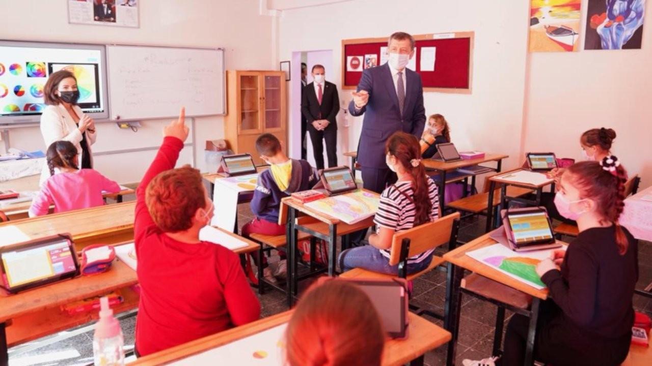 Milli Eğitim Bakanı Selçuk: 60 bin tablet dağıttık