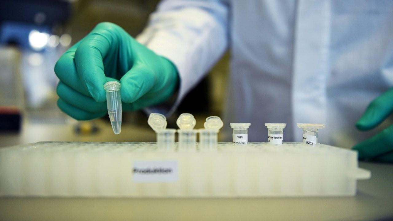 Johnson & Johnson ile AstraZeneca aşı çalışmalarına devam edecek