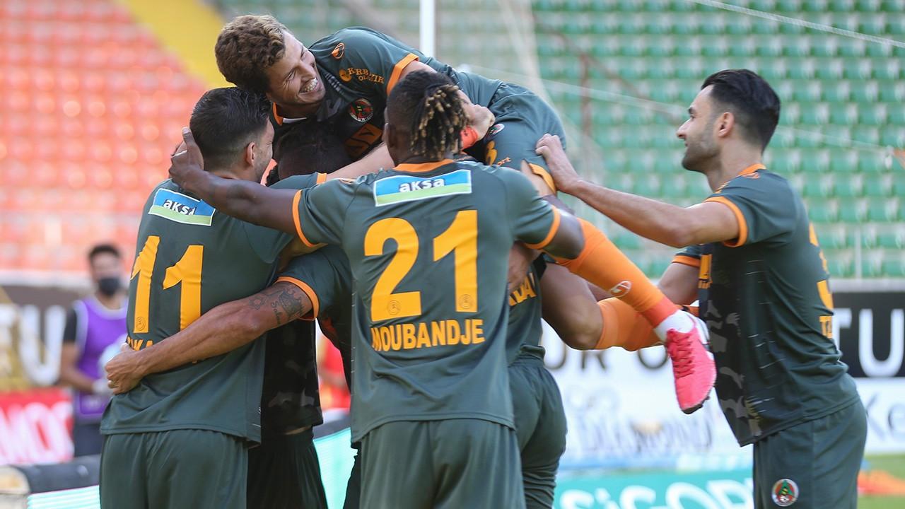 Alanyaspor ve Malatyaspor 2'şer golle kazandı