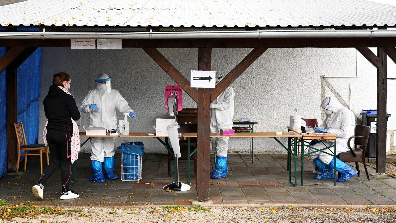Slovakya bütün vatandaşlarına test yapıyor