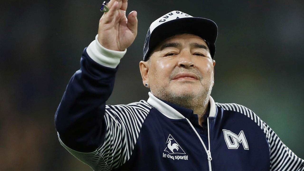 Diego Maradona hastaneye kaldırıldı