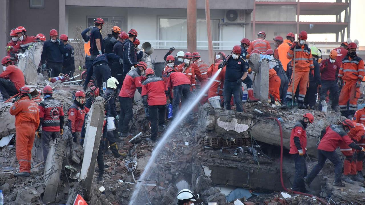 İzmir'de can kaybı 115'e yükseldi