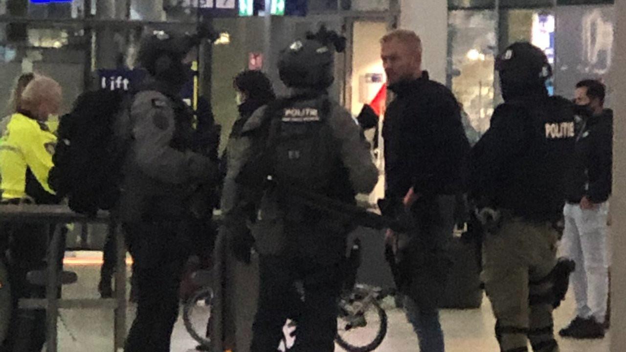 Hollanda'da bombalı çanta alarmı: Utrecht merkez istasyonu boşaltıldı