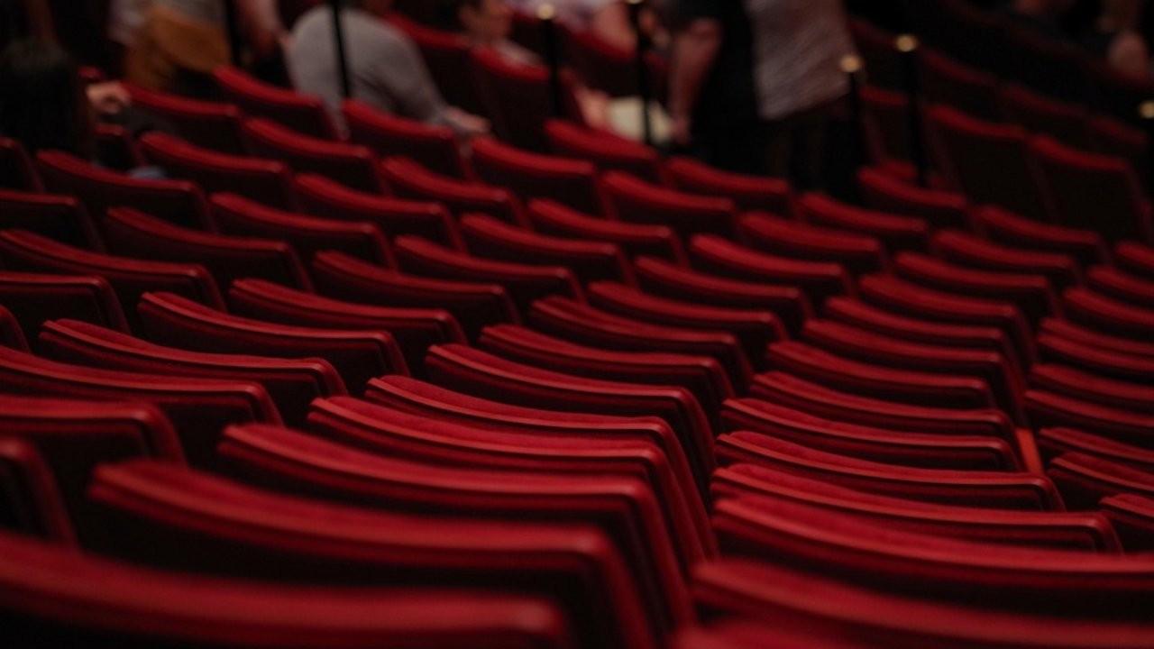 Şehir Tiyatroları'ndan saat açıklaması