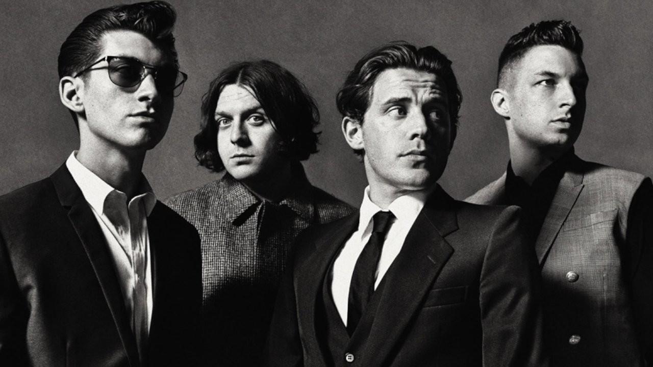 Arctic Monkeys yeni konser albümünü duyurdu