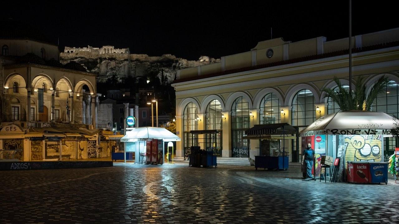 Yunanistan'da ülke genelinde karantina uygulaması başladı