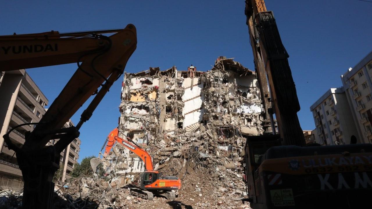 Bakan Kurum: İzmir'de yıkık, yıkılacak ve ağır hasarlı bina sayısı 342