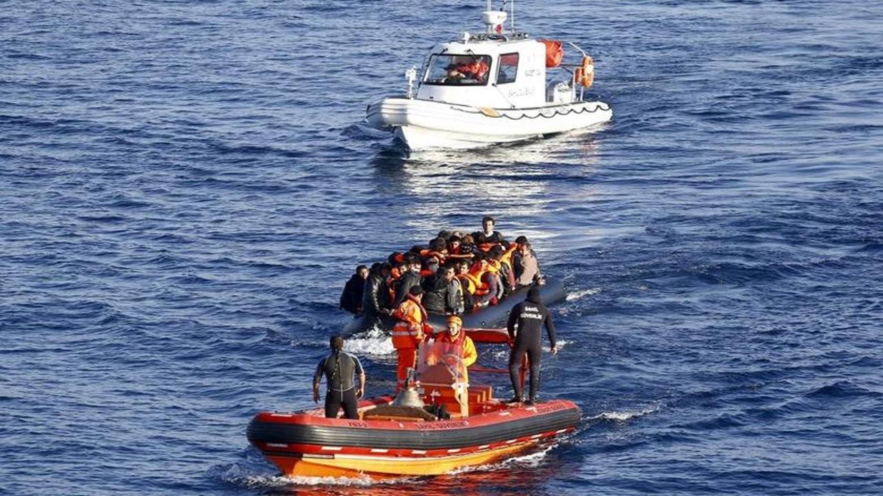 Ege'de sığınmacı teknesi battı: Altı yaşındaki bir çocuk boğuldu