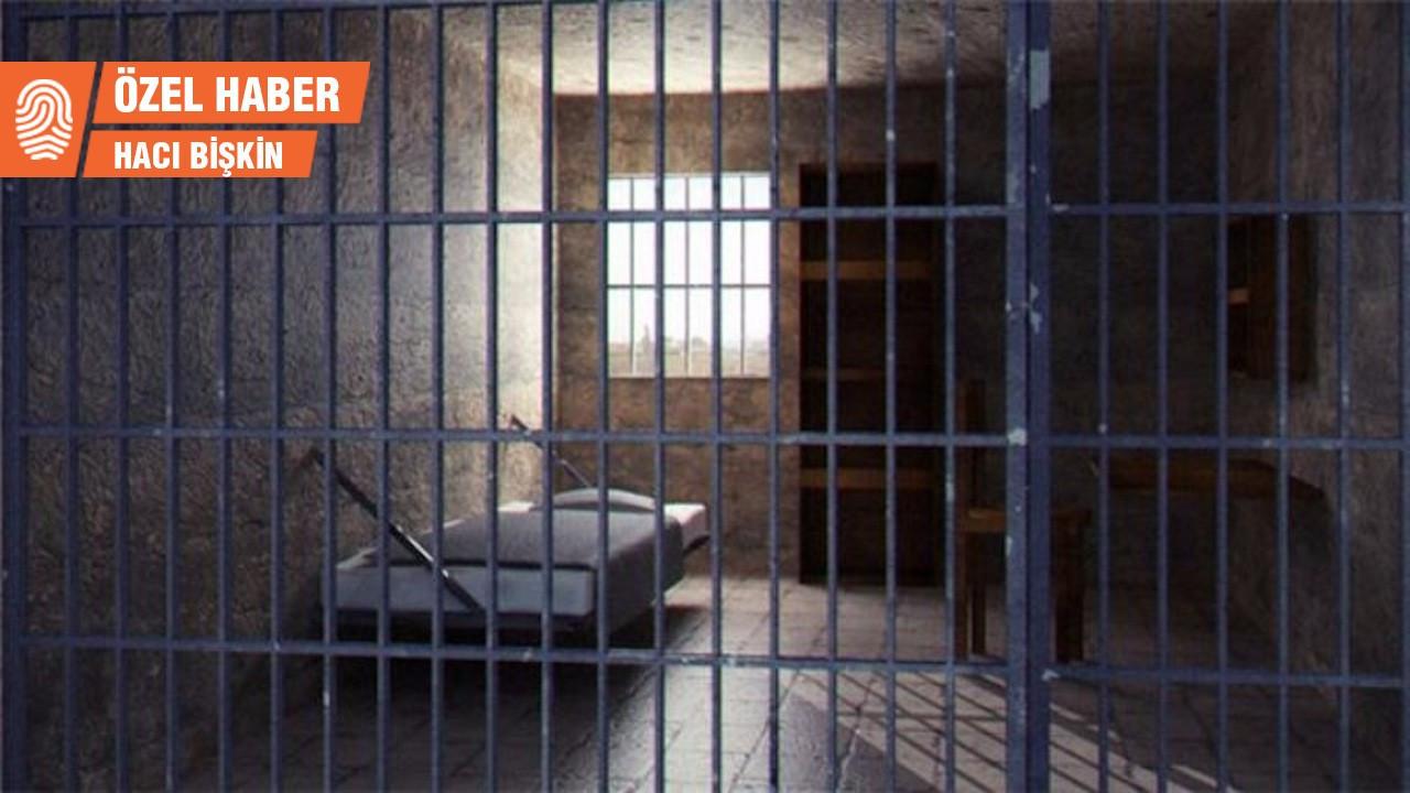 'Cezaevinde süngerli odayla tehdit ediyorlar'