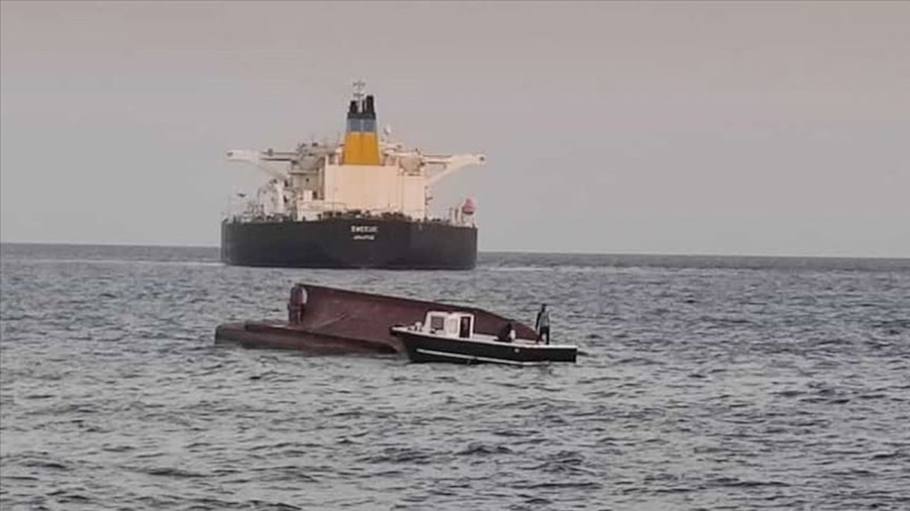 Tankere çarpan teknede 5 balıkçı öldü
