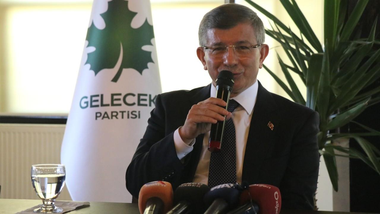 Davutoğlu: Türkiye psikolojik olarak erken seçim atmosferine girdi