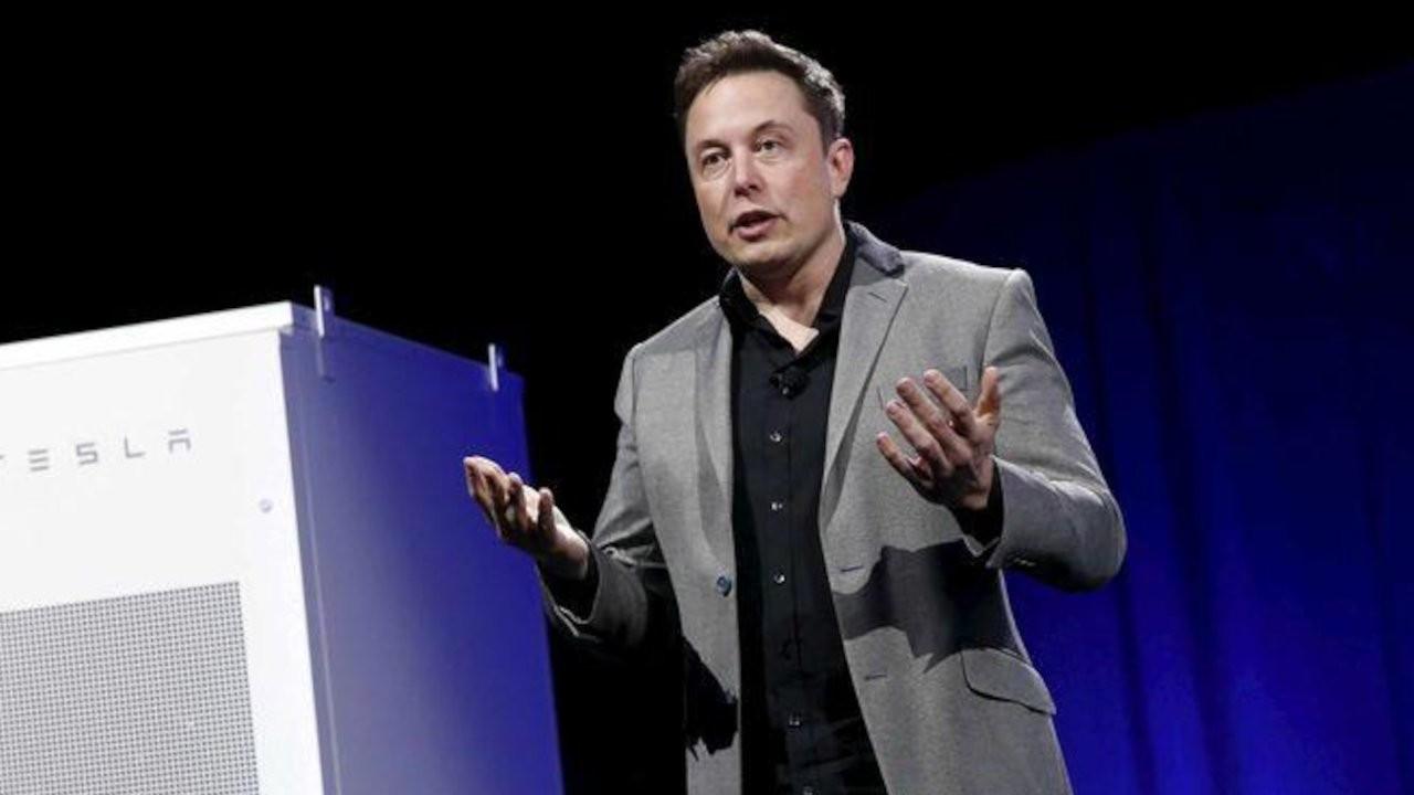 Elon Musk: İki kişinin öldüğü Tesla kazasında otopilot devrede değildi