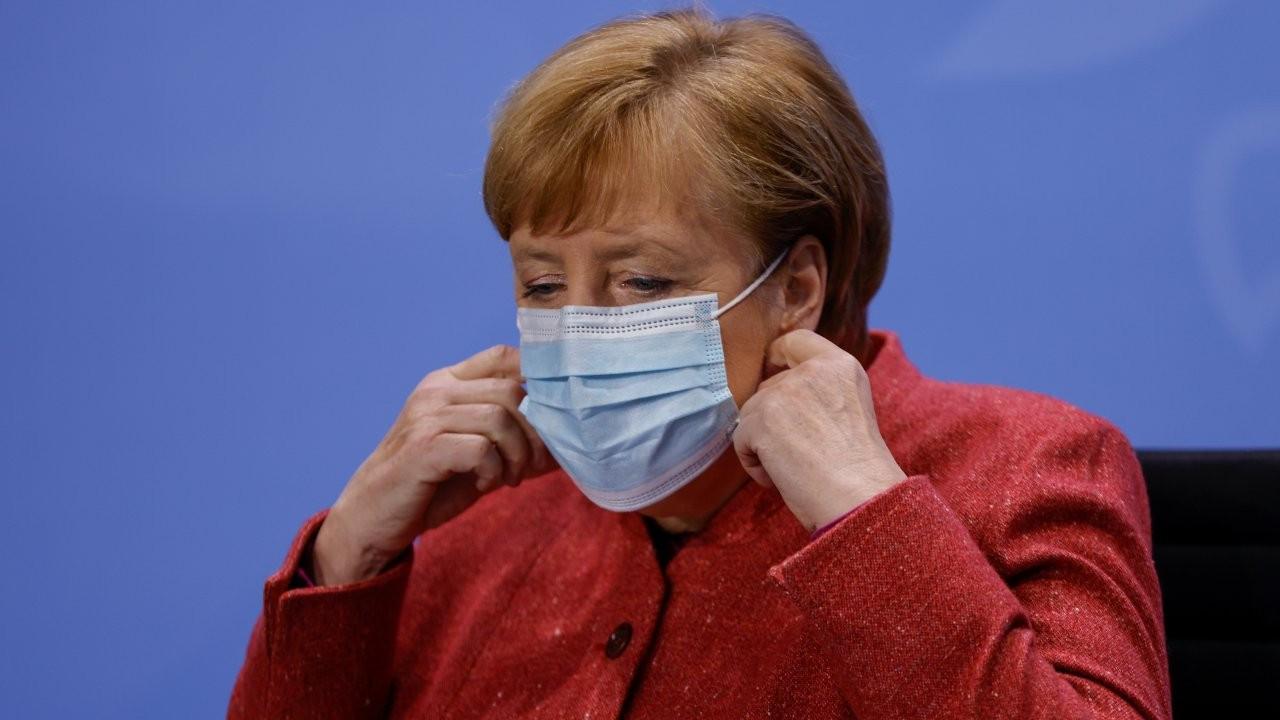 Merkel: Berlin'de salgın kontrolden çıktı