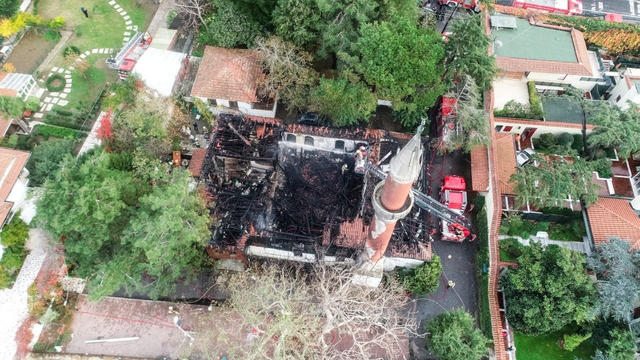 Vaniköy Camisi'ndeki yangın elektrik tesisatından çıkmış