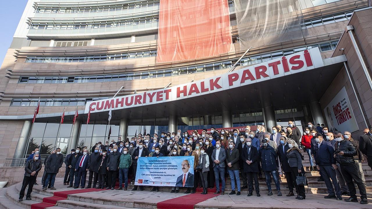 Genel merkez önünde Kılıçdaroğlu'na destek