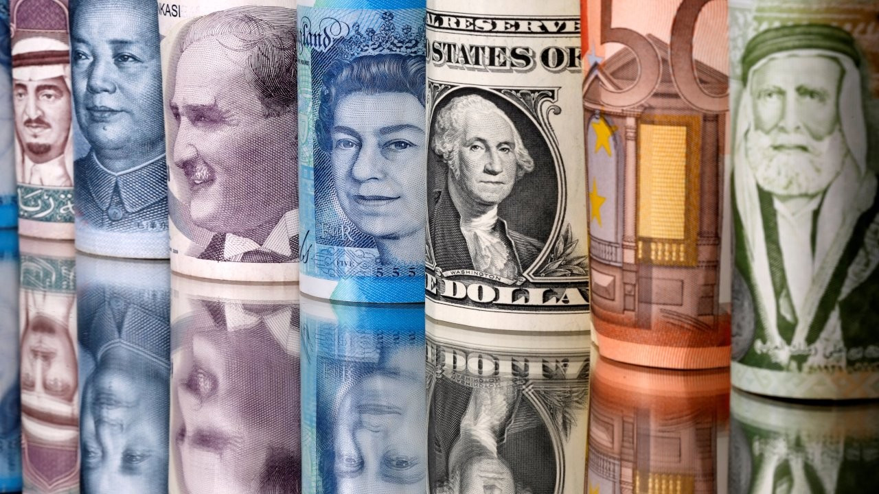 Dolar ve euro bugün kaç TL?