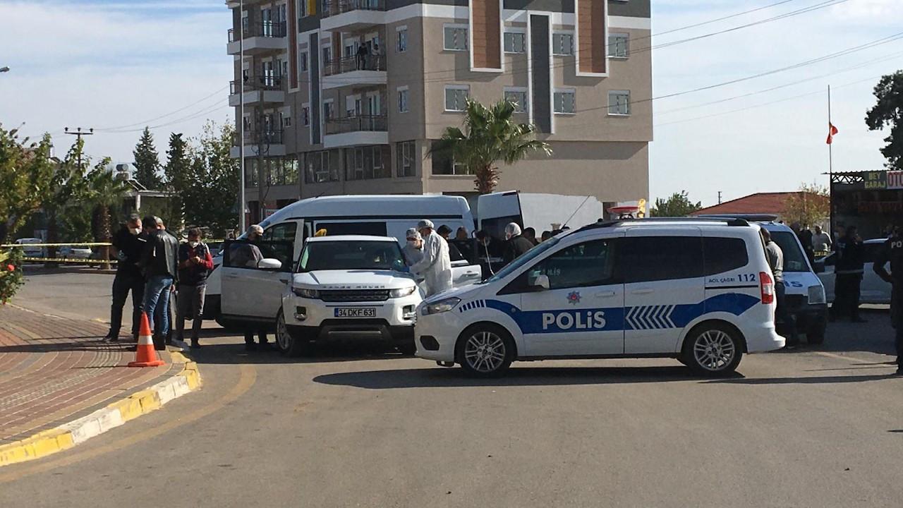 Antalya'da seyir halindeki cipe silahlı saldırı: 2 ölü