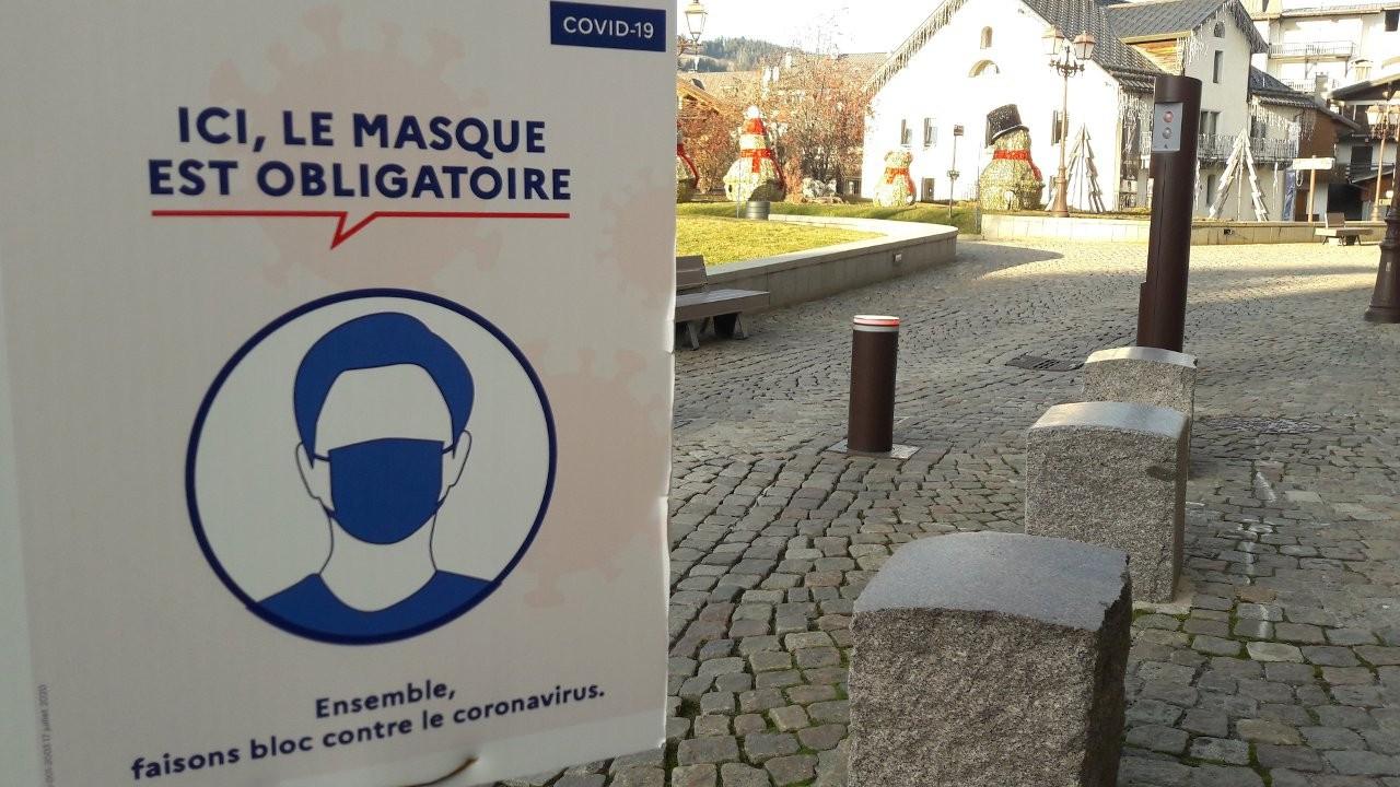 Fransa'da ibadethanelere 30 kişi sınırlaması