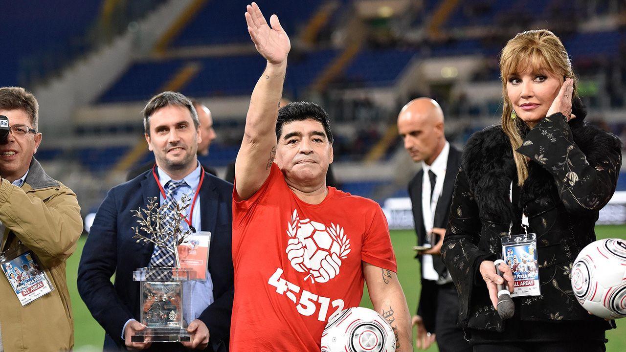 Maradona'nın mezar taşında da 'futbol topu' yazacak - Sayfa 1