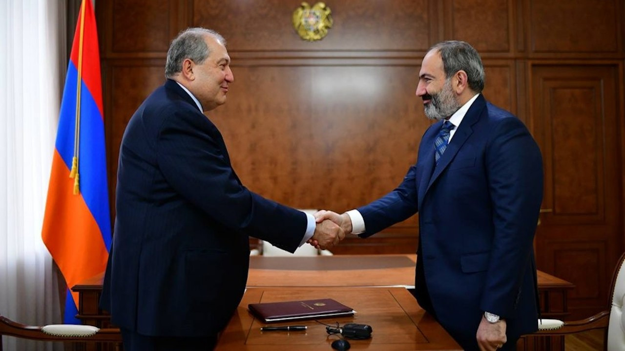 Cumhurbaşkanı Sarkisyan: Hükümet istifa etmeli