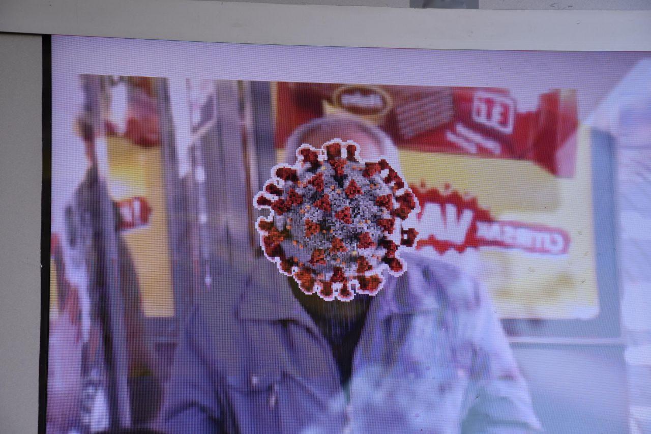 Maske takmayanların yüzünü 'korona virüsüne dönüştüren' ekran - Sayfa 3