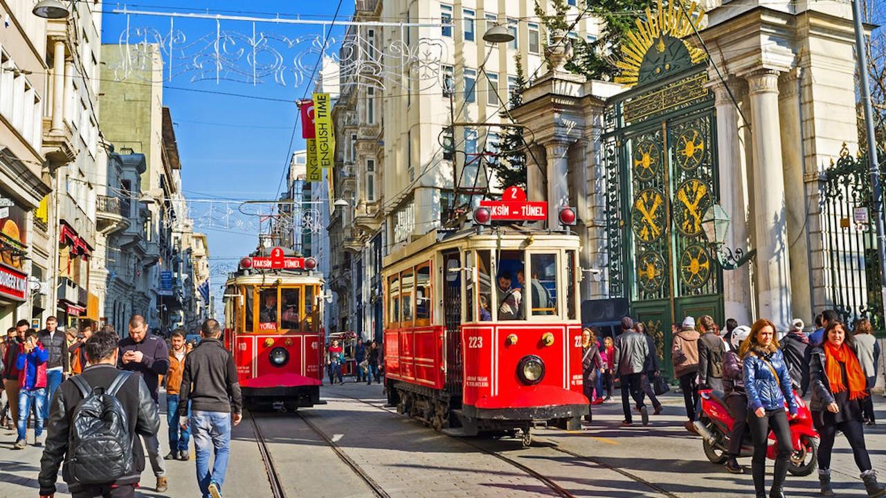 Korona önlemleri: İstiklal Caddesi'nde herkes sağdan yürüyecek