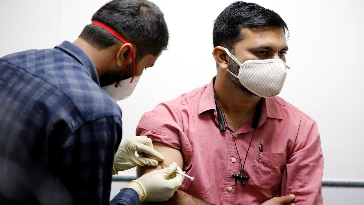 'Aşı turizmi': Hindistan'dan İngiltere'ye talep başladı