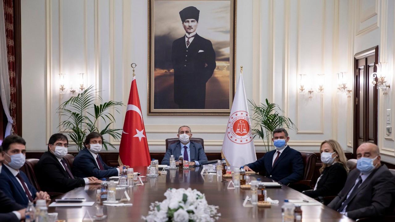 Adalet Bakanı Gül, Feyzioğlu ile buluştu: 28 maddelik reform önerisi