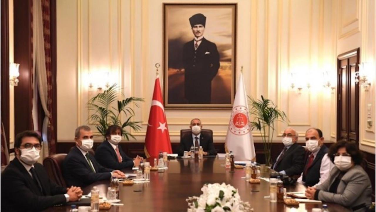 Adalet Bakanı Gül İHD ile görüştü: Gündem hukuk reformu